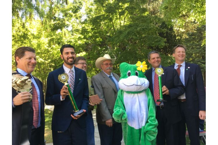 Senator Andreas Borgeas and Assemblyman Frank Bigelow Host the 45th Annual Capitol Frog Jump